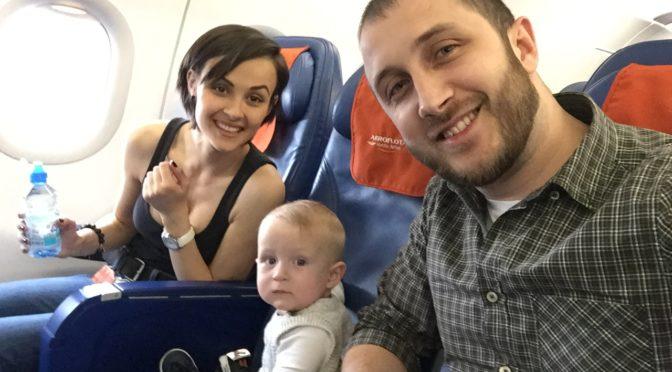 Первое путешествие с ребенком. Выбор авиаперелета.